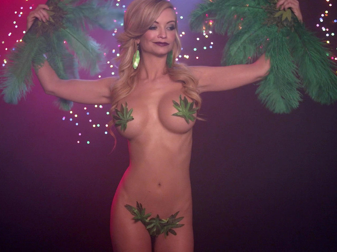 Η ηθοποιός Mindy Robinson topless