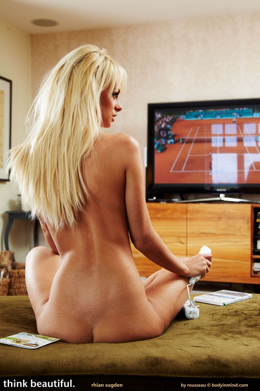 rhian_sugden_playing_video_games_nude_4.jpg